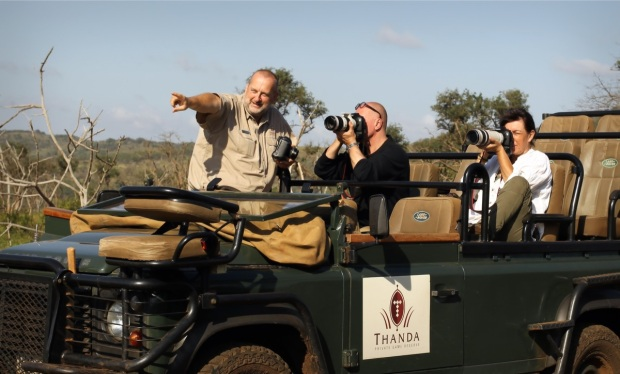 German speaking photography guide at Thanda Safari